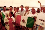 ISA President Fernando Aguerre with Team Mexico. Credit: ISA / Michael Tweddle