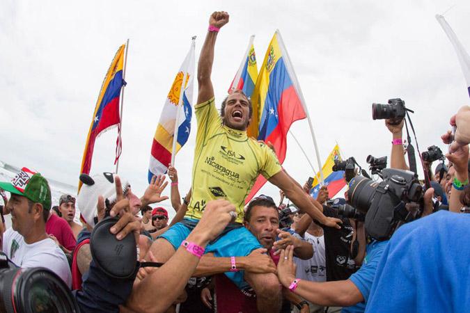 El Medallista de Oro del ISA World Masters Surfing Championship 2012 Magnum Martínez (VEN) estará de regreso para defender su título. Foto: ISA/Rommel Gonzales