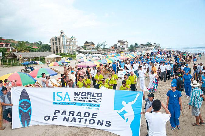 20 Delegaciones Nacionales desfilaron a través de las calles y en la playa de Montañita. ISA/Gonzales